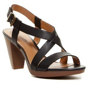 NWOT Clarks Jaelyn Fog Platform Sandal